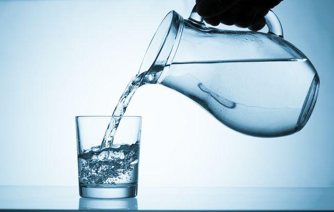 uống nước giúp mọc tóc nhanh